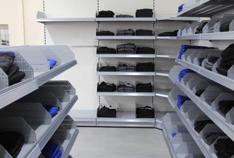 Schuster-Arbeitsschutz-Fachmarkthalle-Arbeitskleidung2