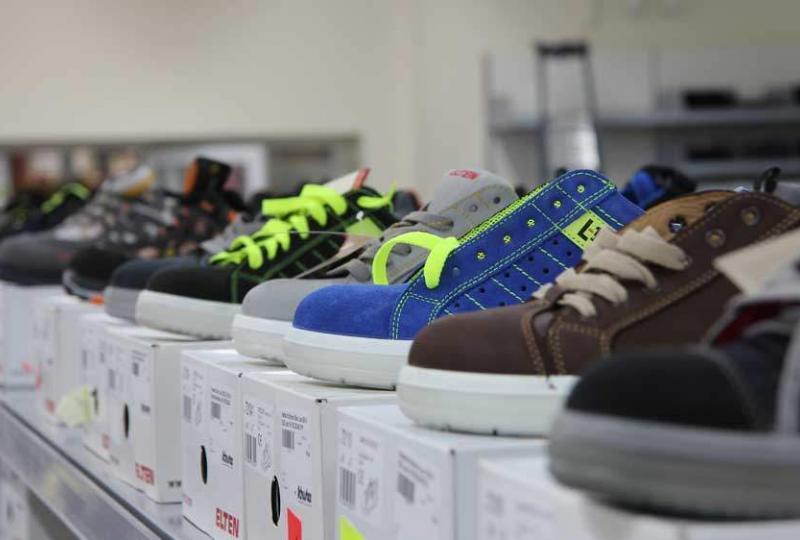 Schuster-Arbeitsschutz-Fachmarkthalle-Schuhe-Elten2