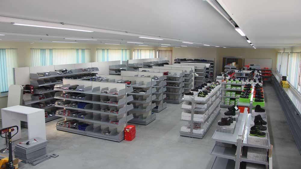 Schuster-Arbeitsschutz-Fachmarkthalle2